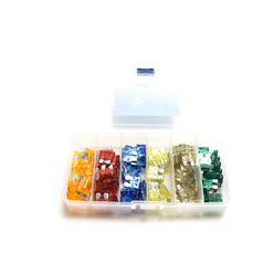Assortment of 140 Fuses